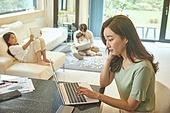 여성, 엄마, 재택근무, 근로시간, 집 (주거건물), 생각 (컨셉)