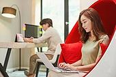 남성, 여성, 재택근무 (원격근무), 근로시간 (주제), 노트북사용, 홈오피스