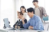 MCN, MCN (주제), 스타트업, 스타트업 (소기업), 일 (물리적활동), 성공, 성취, 팀워크 (협력), 협력 (컨셉)