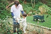 가족, 전원생활 (컨셉), 경작 (식물속성), 텃밭작물 (경작), 홈메이드, 아빠, 아들, 흩뿌리기 (움직이는활동)