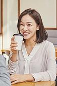 카페, 카페 (공공건물), 커피 (뜨거운음료), 차 (뜨거운음료), 마시기