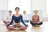 한국인, 노인 (성인), 실버라이프 (주제), 요가, 노인여자 (성인여자), 운동, 실버라이프, 명상, 요가수업 (요가)