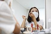 마스크 (방호용품), 코로나바이러스 (바이러스), 코로나19 (코로나바이러스), 색조화장 (화장품), 눈화장, 마스카라
