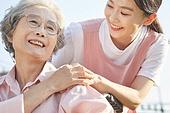 노인여자 (성인여자), 노인문제, 요양원 (양로원), 간호조무사 (간호사), 간병인 (의료계종사자), 의료봉사 (사회복지), 미소, 손잡기 (홀딩)