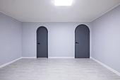 방,바닥,문,출입문,주택,한국,국내여행,방,배경,흰색,등,등[조명],전구,백열전구,빛,천장,전기,등갓,조명,건축,건물,빌딩,주택,실내,인테리어,