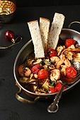 음식, 요리 (음식상태), 감바스 (슈림프-해산물)