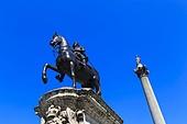 동상,트라팔가광장,광장,마당,런던,풍경,전경,실외,건축,고건축,전통,건물,빌딩,영국,해외,여행,유럽,