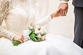 결혼,예식장,신랑,남자,청년,신부,여자,젊은여자,웨딩드레스,부케,결혼식,한국,한국인,동양인,사람,실내,인테리어,