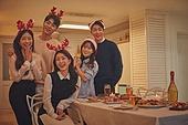 성인 (나이), 파티, 크리스마스 (국경일), 연말파티, 디너파티, 친구, 함께함 (컨셉)