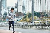 남성, 조깅 (운동), 도심지 (구역), 체력, 운동복 (옷)