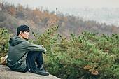 남성, 산, 산악등반 (클라이밍), 비대면, 산림, 혼자여행, 맨위 (위치묘사), 휴식