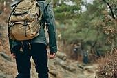 남성, 산, 산악등반 (클라이밍), 비대면, 산림, 혼자여행, 걷기 (물리적활동), 산길