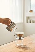 커피 (뜨거운음료), 만들기, 홈메이드, 사람손 (주요신체부분), 붓기, 핸드드립 (커피)