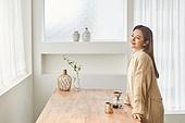 커피 (뜨거운음료), 만들기, 홈메이드, 여성, 핸드드립 (커피), 미소