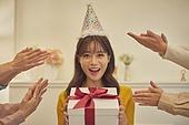 생일, 파티, 축하 (컨셉), 디너파티 (친목회), 사람손 (주요신체부분), 미소, 행복