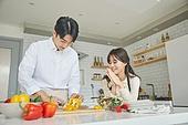 여성, 남성, 커플 (인간관계), 가정주방 (주방), 음식준비