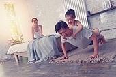 가족, 즐거움, 함께함 (컨셉), 홈트레이닝, 스트레칭, 건강한생활 (주제)