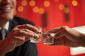 술 (음료), 마시기 (입사용), 건배, 사람손 (주요신체부분)