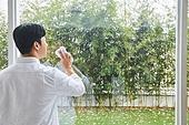 집 (주거건물), 창문 (인조물건), 대청소 (환경보호), 닦기 (클리닝)
