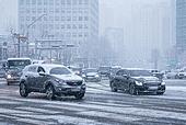 겨울, 겨울 (계절), 한파, 쌓인눈 (눈), 눈 (얼어있는물), 날씨, 도로, 자동차, 교통체증 (교통량)