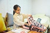 초등학생, 홈스쿨링 (교육), 집 (주거건물), 책가방 (가방), 정리 (움직이는활동)