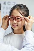 어린이 (나이), 사람눈 (주요신체부분), 시력, 사람눈, 안과, 근시, 시력검사 (건강관리)