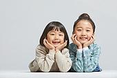 어린이 (나이), 초등학생, 초등교육, 행복, 응시 (감각사용), 턱괴기 (만지기)