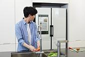 가정주방 (주방), 남성, 냉장고, 홈오토메이션 (기술)