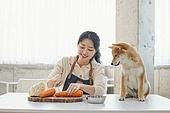 견주, 여성, 펫푸드 (애완동물장비), 요리하기 (음식준비)