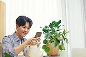 반려식물, 화분, 취미, 미소, 사람손 (주요신체부분), 스마트폰, 촬영