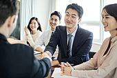 비즈니스, 비즈니스 (주제), 사업관계 (비즈니스), 비즈니스맨 (사업가), 글로벌비즈니스, 함께함 (컨셉), 미팅, 협력, 금융, 합의 (컨셉), 일 (물리적활동), 성공, 성취, 악수, 악수 (제스처)