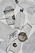 플라스틱, 쓰레기 (물체묘사), 실루엣, 구겨짐 (재질), 환경오염, 페트병 (물병), 커피잔 (컵)