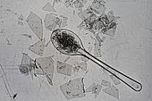 플라스틱, 쓰레기 (물체묘사), 실루엣, 미세플라스틱, 지저분함 (나쁜상태), 환경오염, 숟가락, 일회용 (상태)