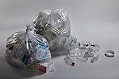 플라스틱, 쓰레기 (물체묘사), 비닐봉투 (가방), 환경오염, 재활용 (환경보호), 찢어짐 (고장)