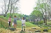 환경운동가, 쓰레기 (물체묘사), 플로깅, 제로웨이스트, 어린이 (나이), 소녀, 미소, 밝은표정