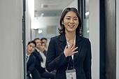 면접, 채용 (고용문제), 실업 (고용문제), 면접 (인터뷰), 고용문제 (주제), 취업준비생 (역할), 구직 (실업), 성공, 만족