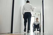 장애인 (장애), 휠체어, 장애, 사회복지, 메디컬컨디션, 신체장애, 함께함 (컨셉), 협력 (컨셉), 위기극복 (컨셉)