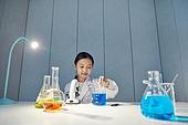 어린이 (나이), 유치원생, 교육 (주제), 초등교육 (교육), 유아교육, 초등학생, 과학, 연구 (주제), 과학자 (전문직), 현미경