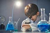 어린이 (나이), 유치원생, 교육 (주제), 초등교육 (교육), 유아교육, 초등학생, 과학, 연구 (주제), 호기심 (컨셉), 현미경
