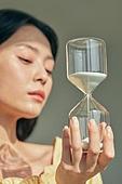 한국인, 성인 (나이), 여성, 의료성형뷰티, 모래시계, 시간, 시간도구 (인조물건)