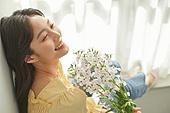 한국인, 성인 (나이), 여성, 뷰티, 아름다움 (주제), 의료성형뷰티 (주제), 꽃, 스토크-꽃 (꽃), 행복