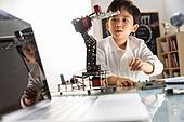 사진, 교육 (주제), 창의성 (컨셉), 교사 (교육직), 소년, 과학, 로봇, 인공지능