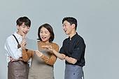 한국인, 상인 (소매업자), 디지털태블릿 (개인용컴퓨터), 인터넷서핑 (격언), 미소