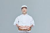 한국인, 20대 (청년), 청년 (성인), 스타트업 (소기업), 정육업자 (소매업자), 삼겹살, 미소