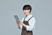 한국인, 20대 (청년), 청년 (성인), 스타트업 (소기업), 바리스타, 상인 (소매업자), 디지털태블릿 (개인용컴퓨터)