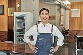 한국인, 상점, 40대 (중년), 남성, 미소, 밝은표정, 손허리 (몸의 자세)