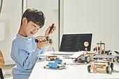 운송수단 (인조물건), 혁신, ESG (컨셉), 자동차 (자동차류), 한국인, 어린이 (나이), 미래, 과학, 호기심