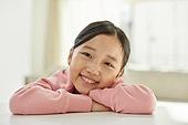 소녀 (여성), 기쁨 (컨셉), 미소, 즐거움 (컨셉), 한국인, 행복, 웃음 (얼굴표정), 어린이 (나이)