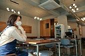 한국인, 상인 (소매업자), 여성, 스트레스, 실망 (슬픔), 위기, 좌절 (컨셉), 코로나바이러스, 폐업