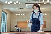 한국인, 식사, 상인 (소매업자), 음식서빙 (움직이는활동), 업무현장, 음식서비스직, 성장 (컨셉), 시간제근무 (직업), 닦기 (클리닝), 소독 (움직이는활동)
